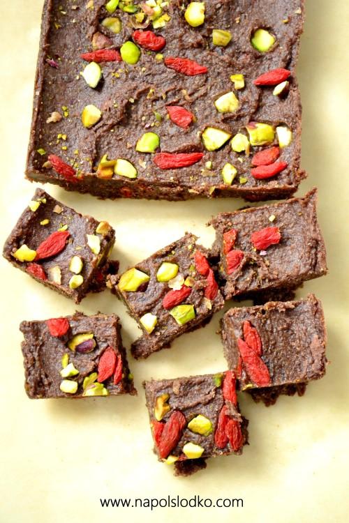 Domowa czekolada bez cukru i mleka (wegańska)