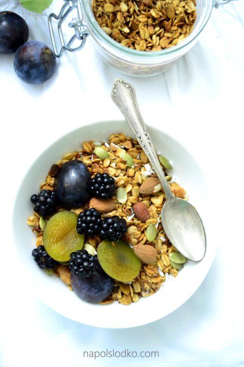 Domowa granola bez cukru i glutenu