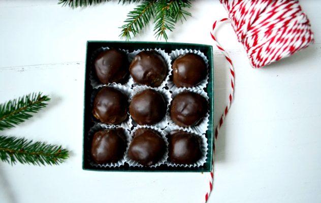 Jadalne prezenty bez cukru. Trufle a`la śliwka w czekoladzie.