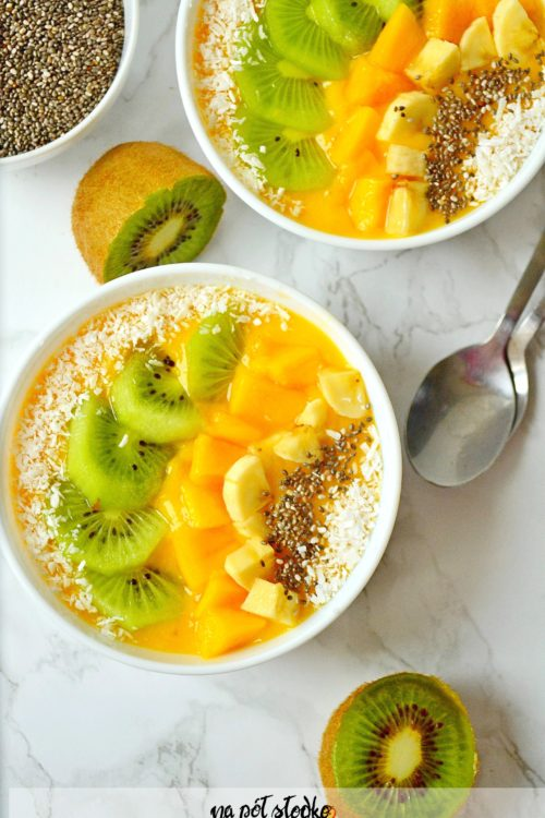 Koktajl z mango i chia bez cukru i mleka