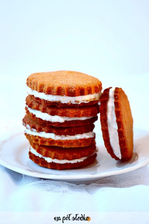 Lodowe ciastka z kremem kokosowym