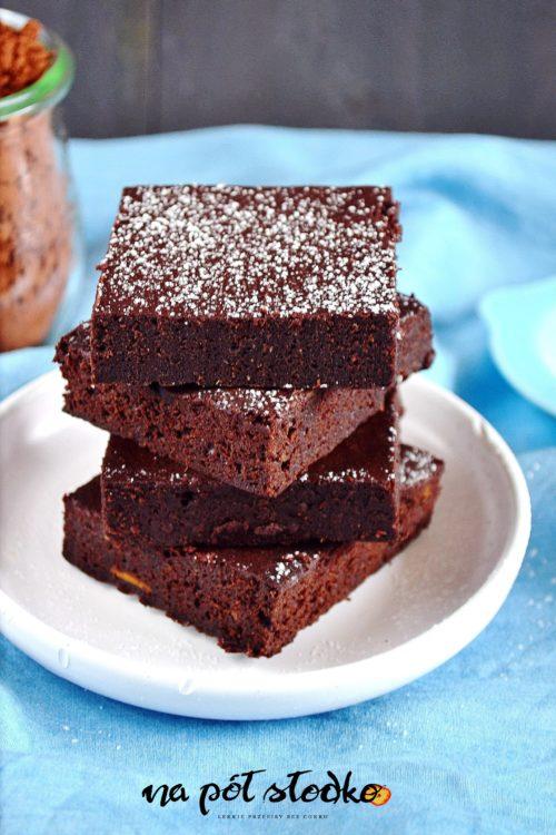 Brownie bez cukru i mleka