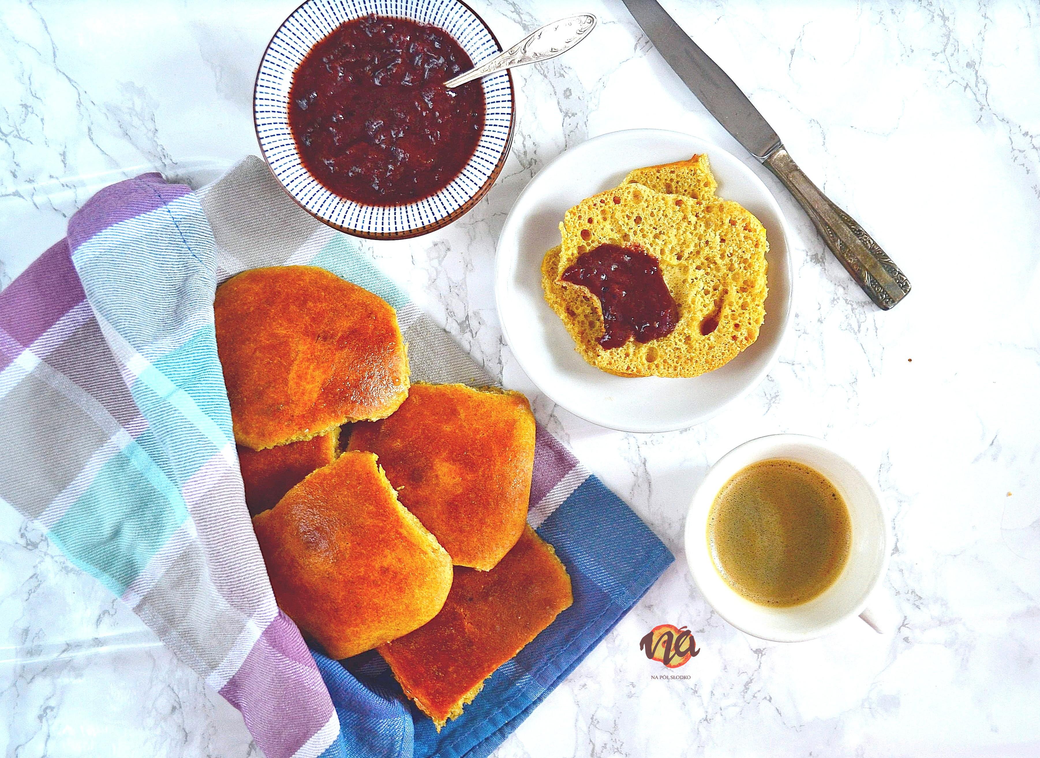 Orkiszowe bułki śniadaniowe do odrywania bez cukru
