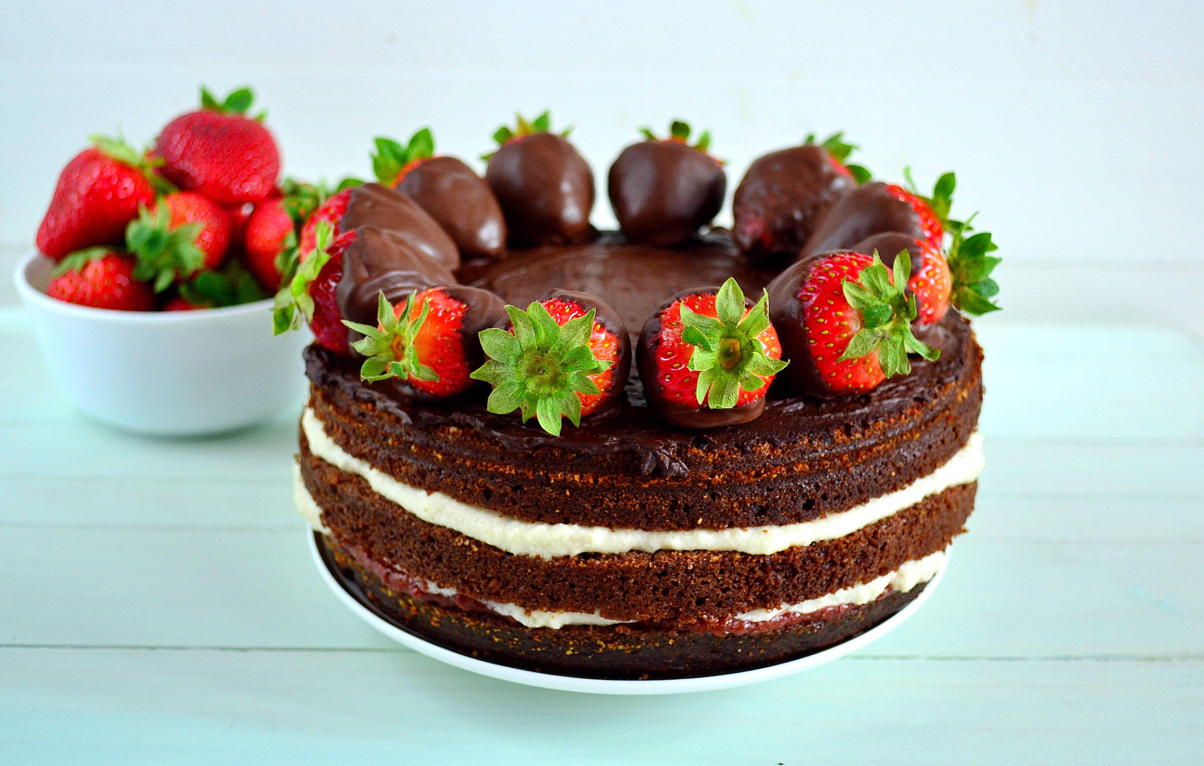 Wegański torcik czekoladowy bez cukru