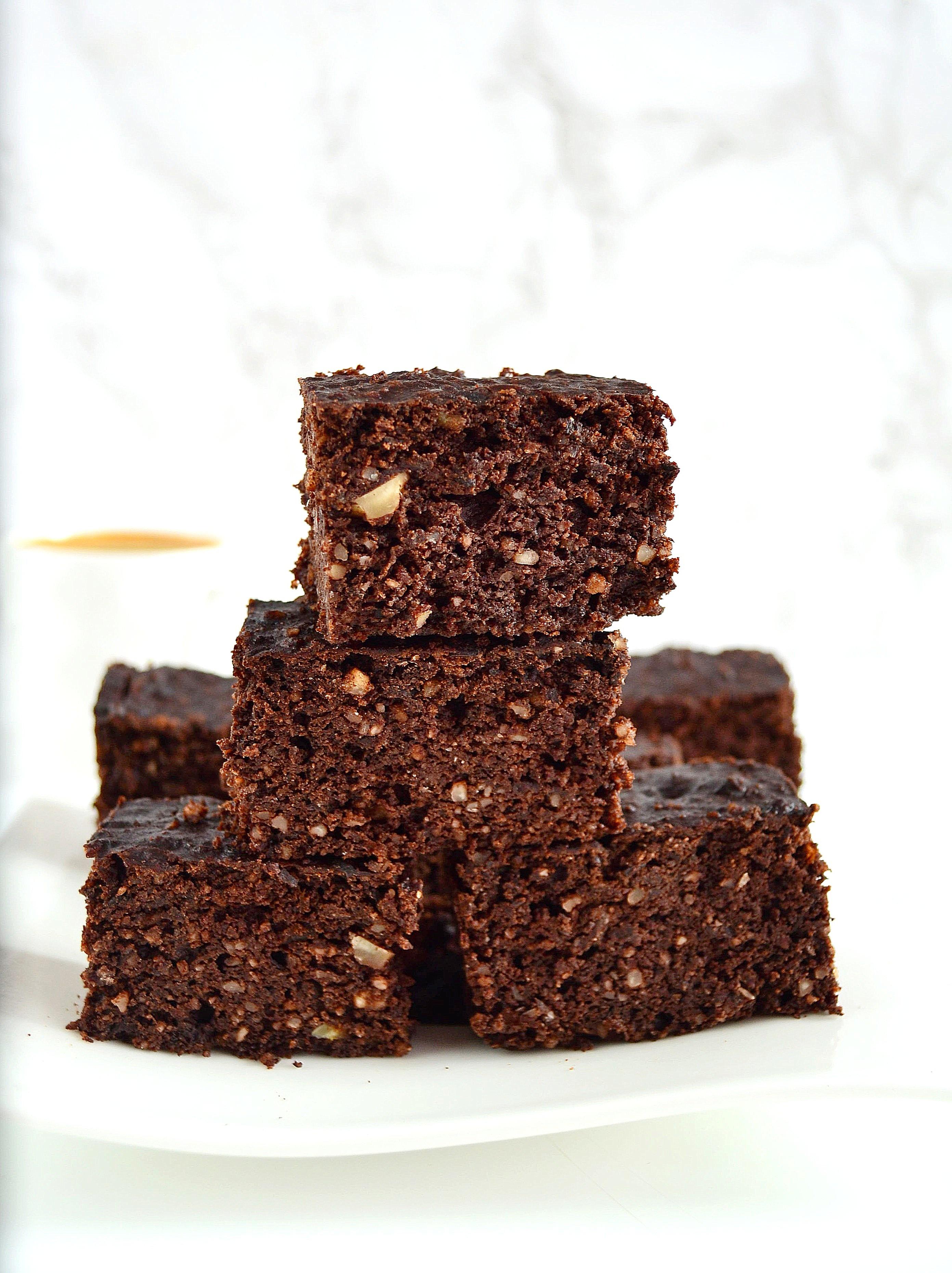 Brownie do kawy bez cukru i mąki