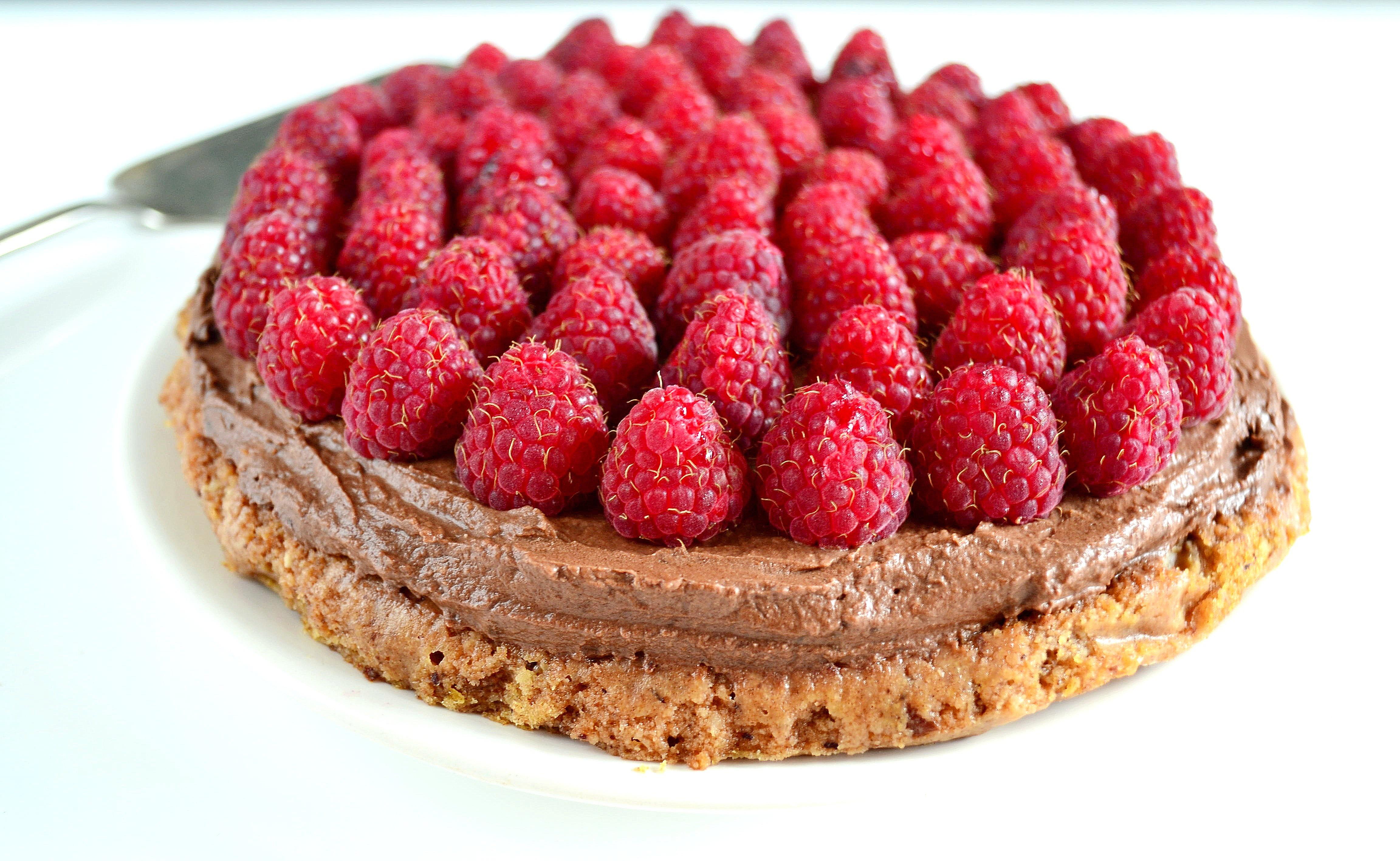 Wegańskie ciasto z malinami bez cukru