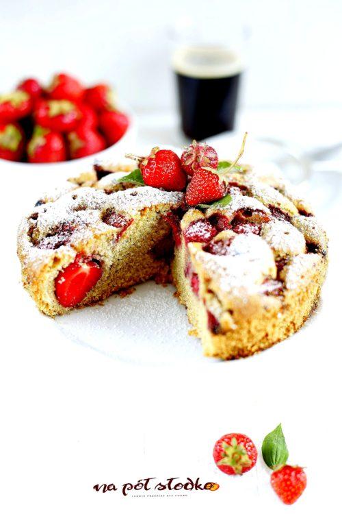 Ciasto z truskawkami bez cukru