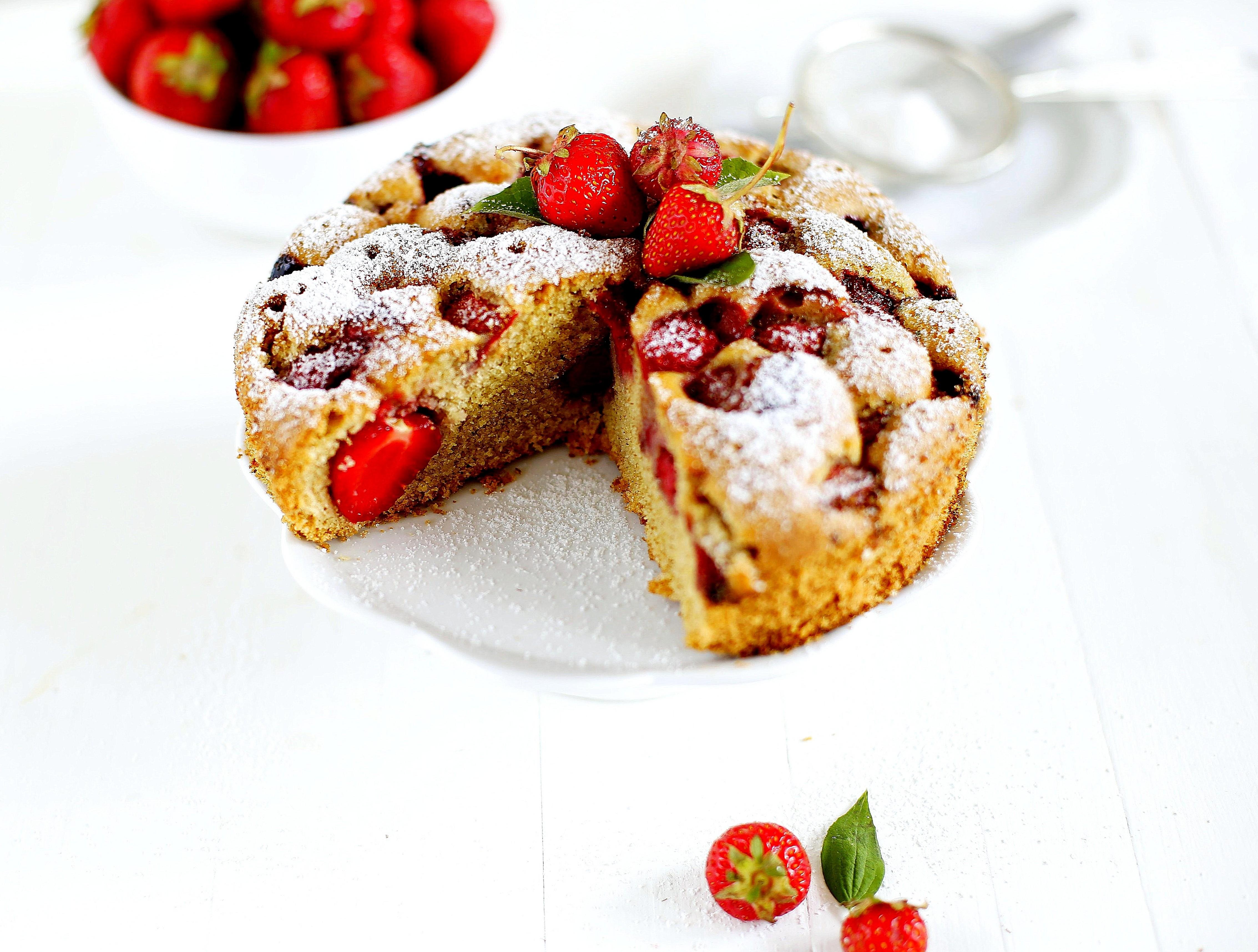 ciasto orkiszowe truskawki