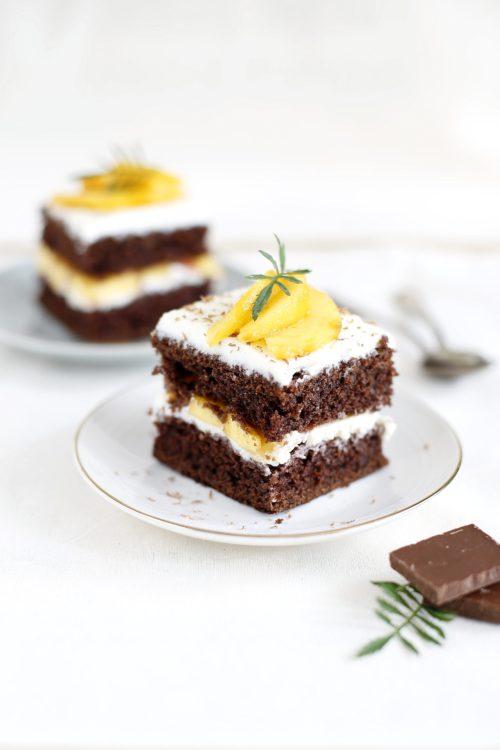 Czekoladowe ciasto z mascarpone i mango bez cukru