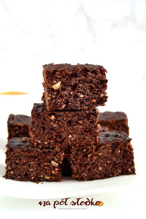 Browni bez mąki,cuBrownie bez mąki, cukru i glutenuku i glutenu